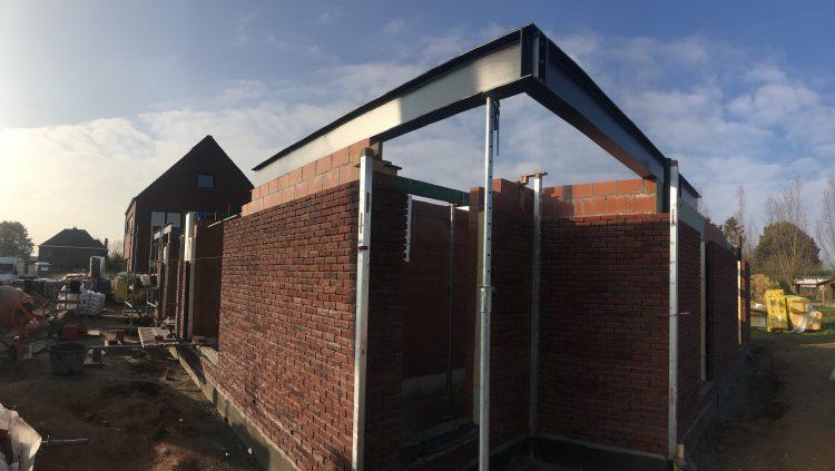 Ruwbouwfase van huis in Ninove